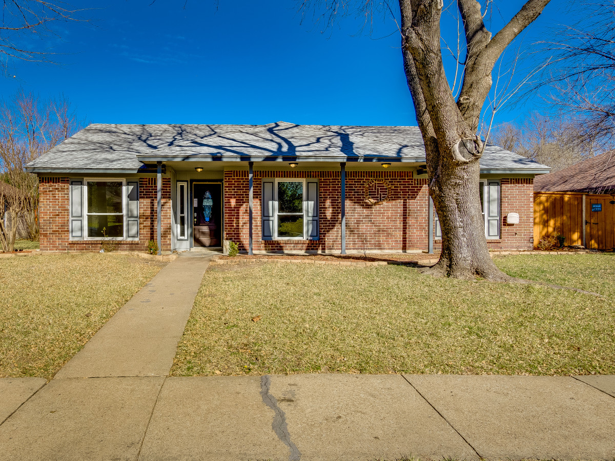 3114 Kingswood Dr Garland home for sale