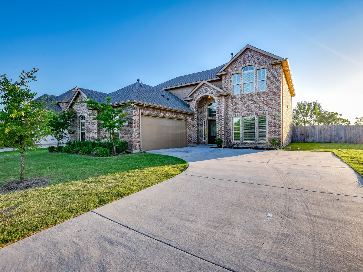 1413 Hidden Creek Dr Royse City home for sale