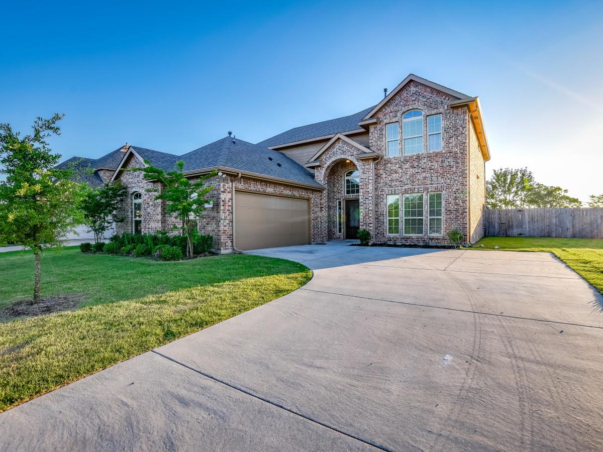 1413 Hidden Creek Dr Royse City home for sale