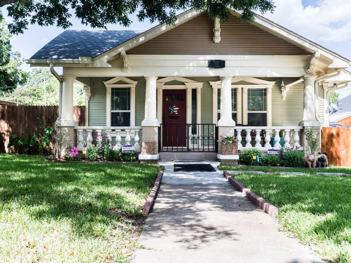 Airbnb Fort Worth, Craftsman