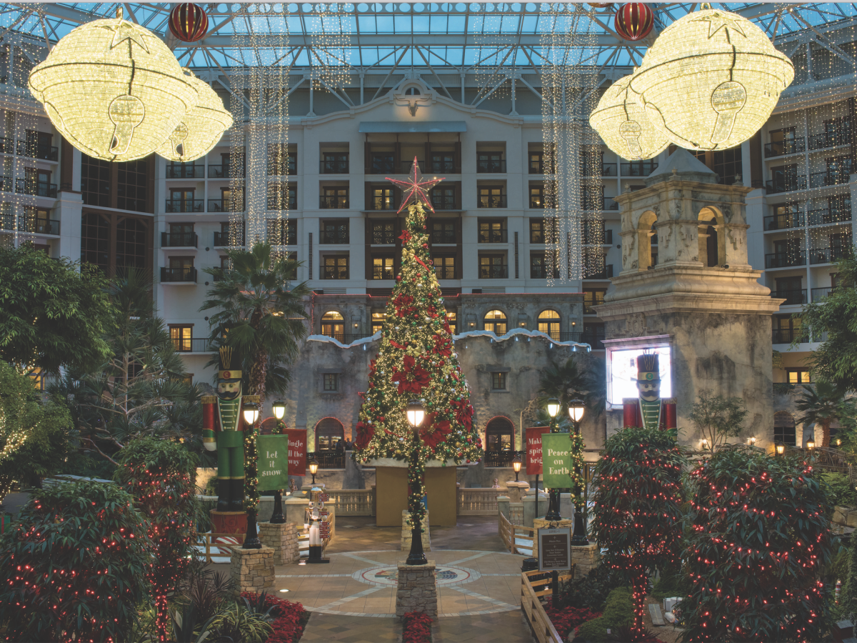Gaylord Texan holiday lobby