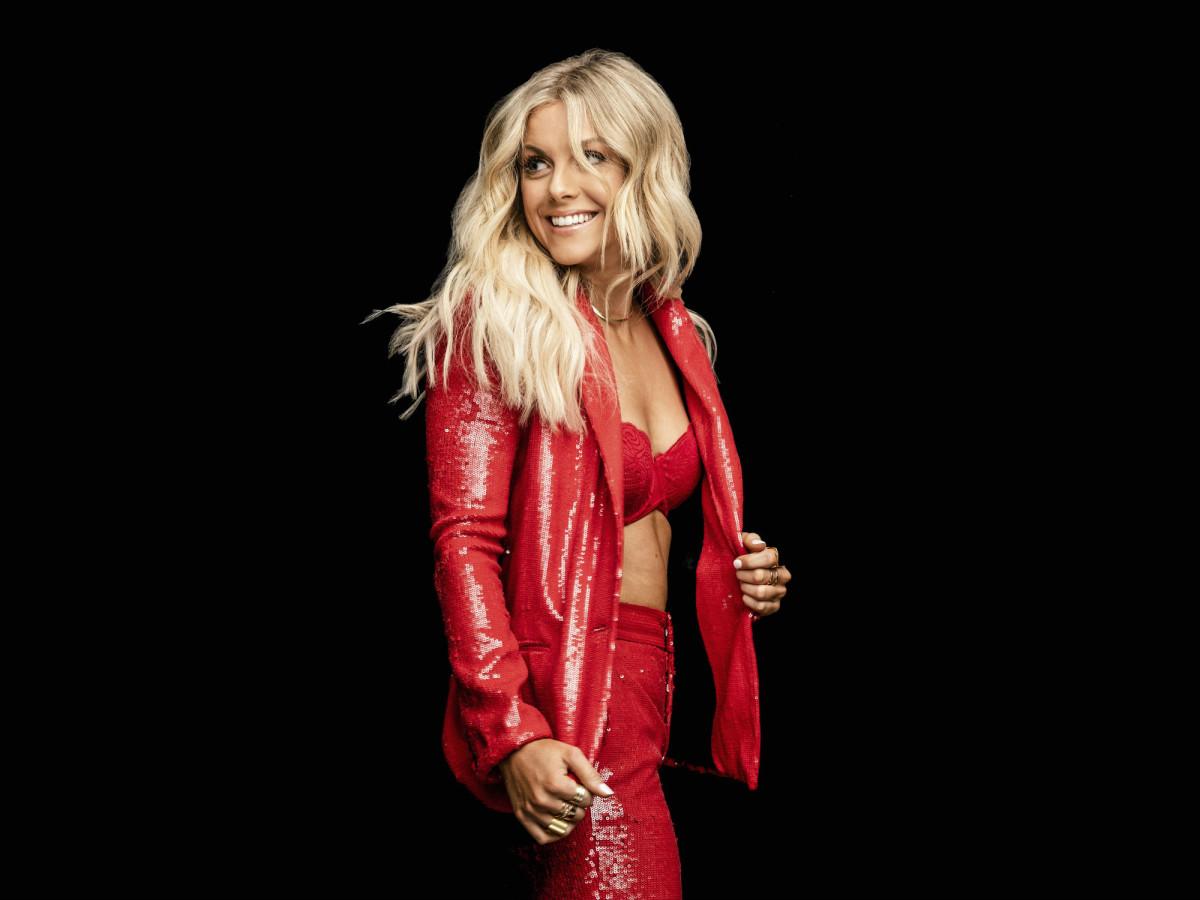 Lindsay Ell singer
