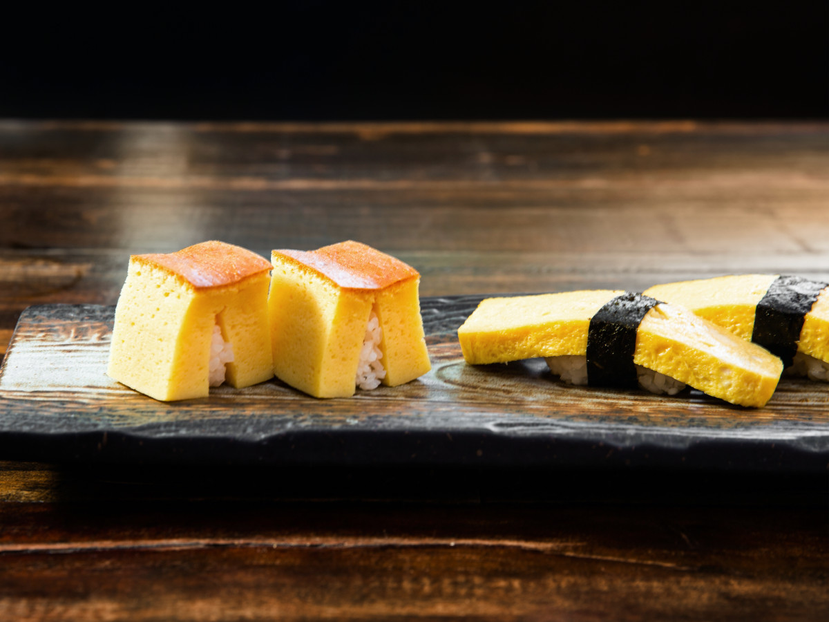 Kata Robata tamago sushi