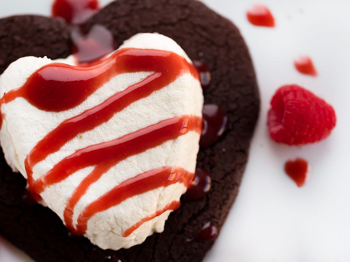 Bistro Menil Valentine's Day Dessert