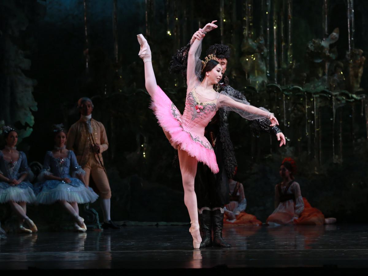 Houston Ballet principal Yuriko Kajiya as Princess Aurora with artists of Houston Ballet in Ben Stevenson's The Sleeping Beauty