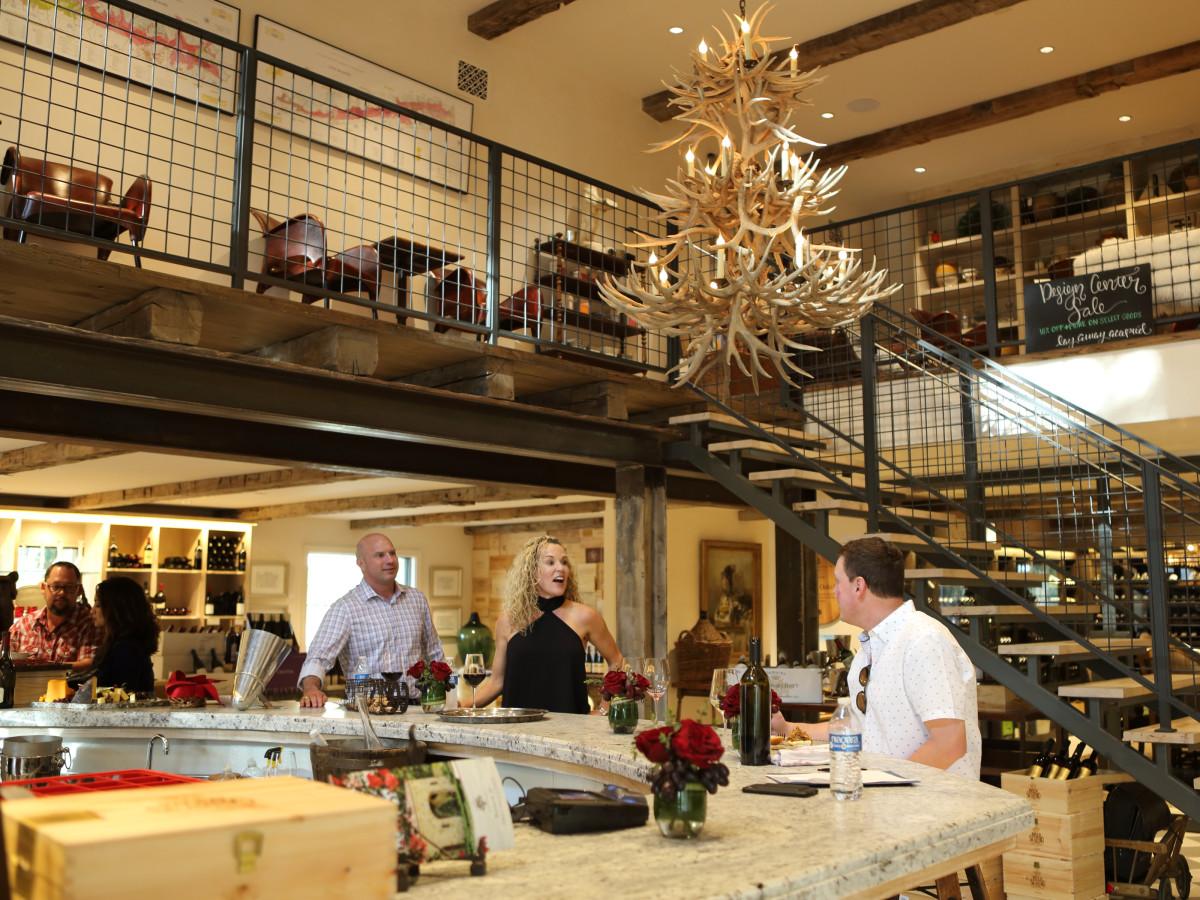 Houston Oaks Country Club interior