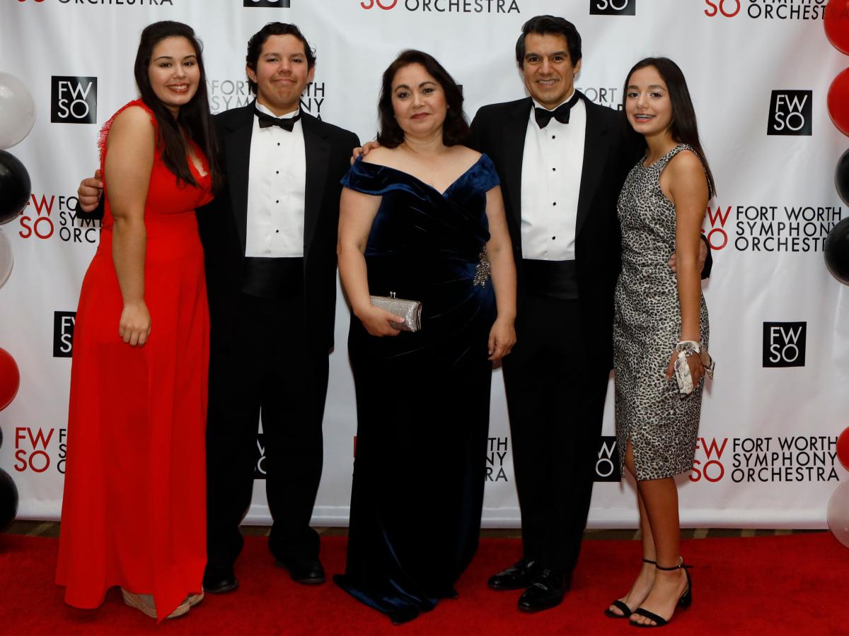 Elena, Emilio, Maritza Caceres, Miguel Harth-Bedoya, Elisa