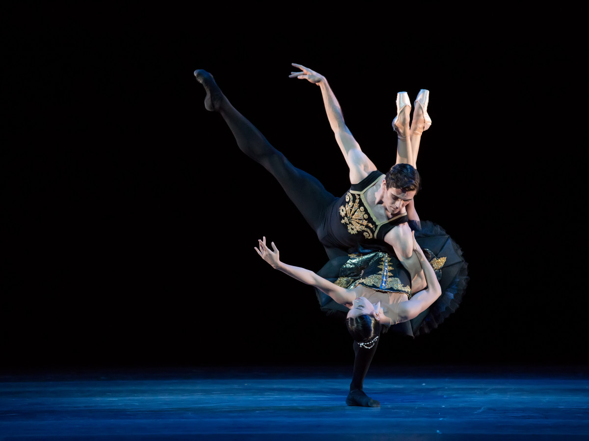 Principals Karina González and Connor Walsh in Jorma Elo's ONEendONE.