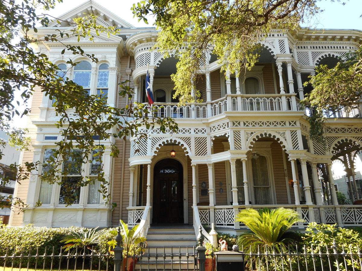 Galveston Home Tour 1826 Sealy St Sonnenthiel House