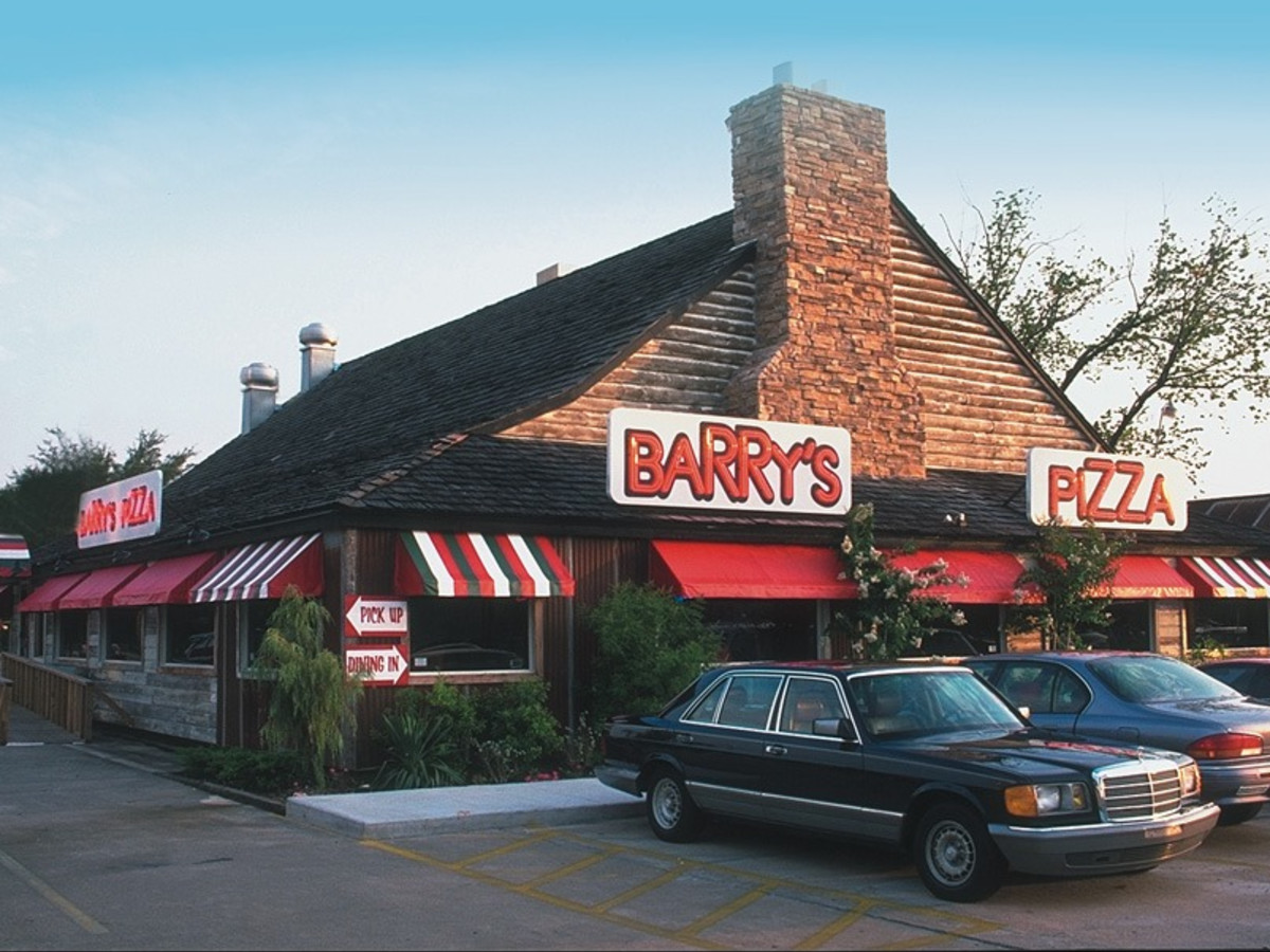 Barry's Pizza exterior