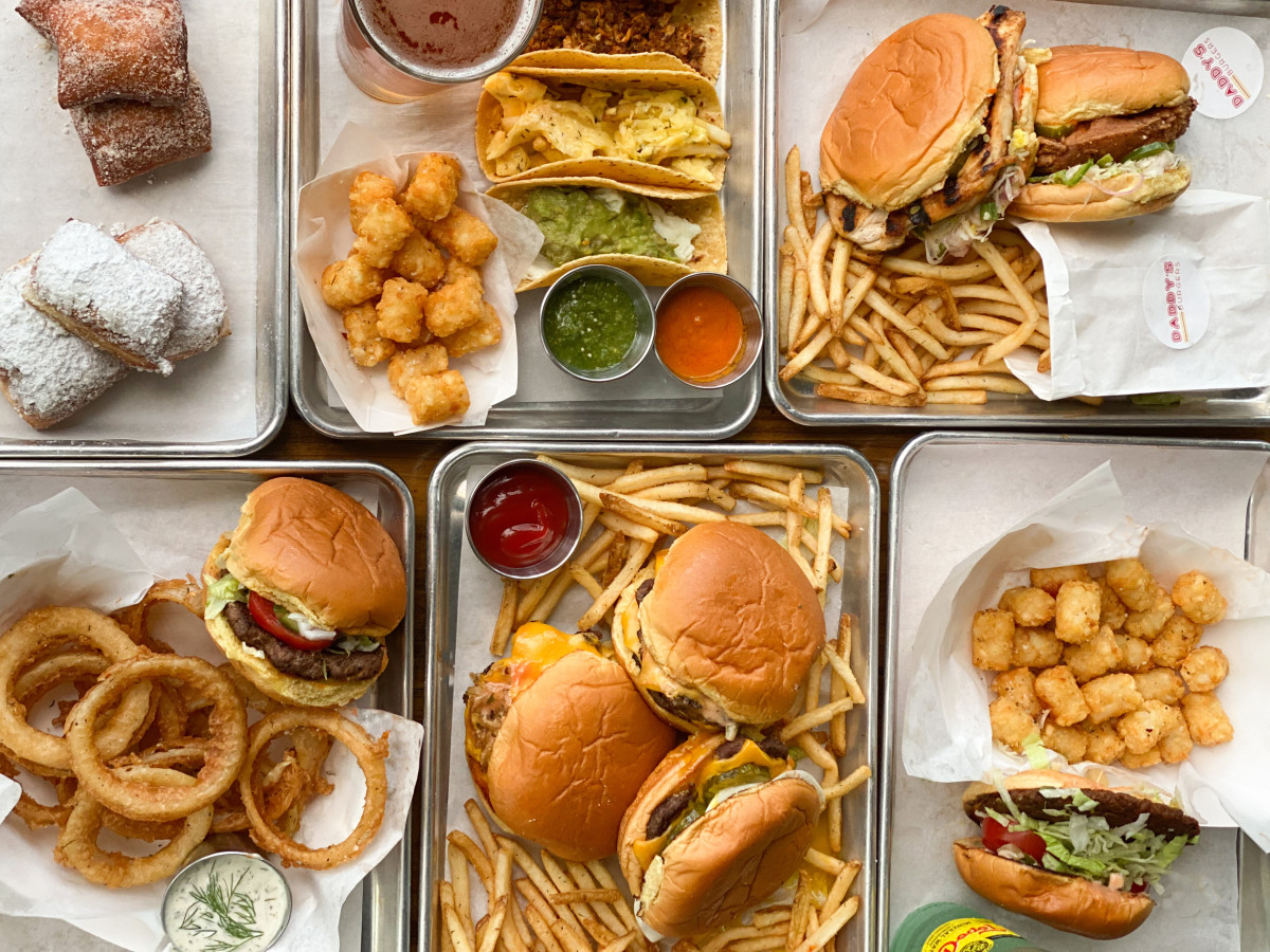 Daddy's Burgers table scape