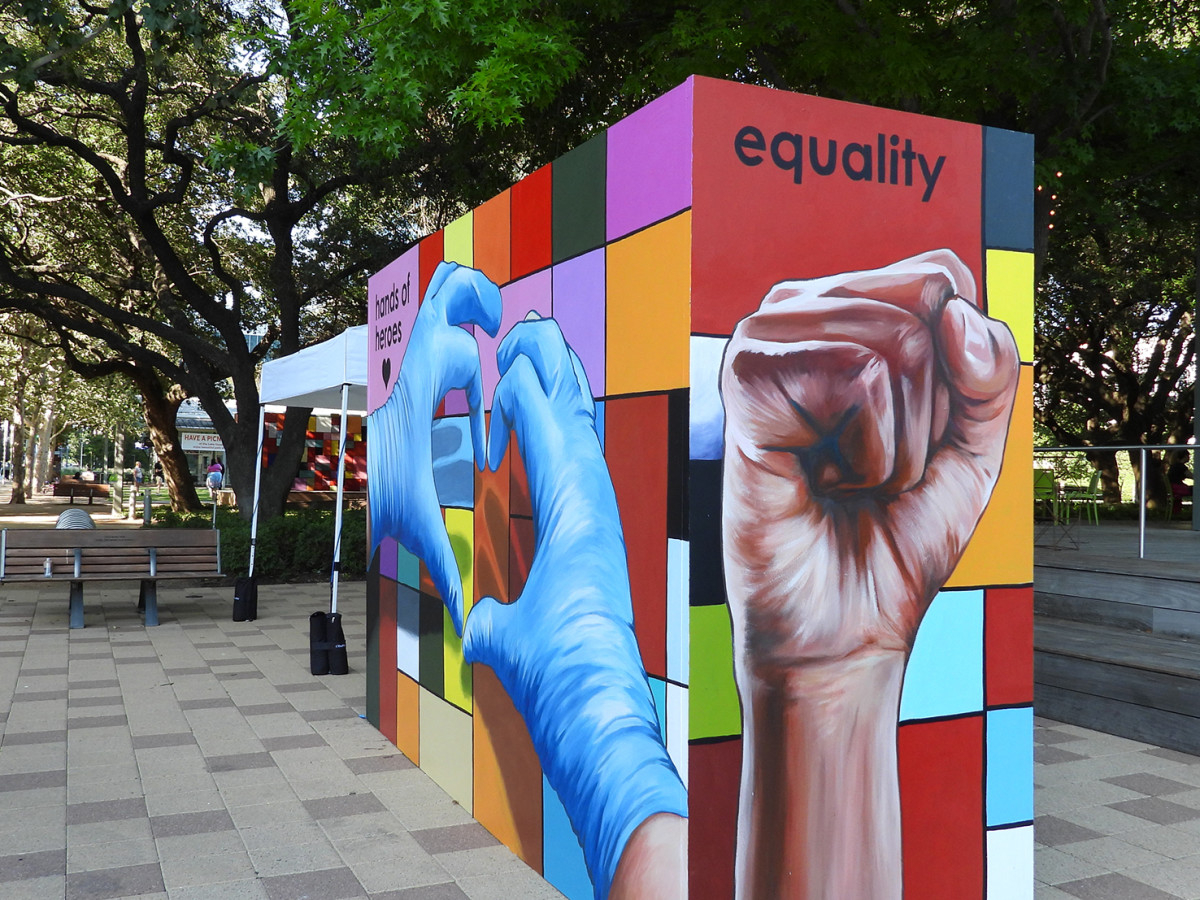 Discovery Green: Hands of a Hero
