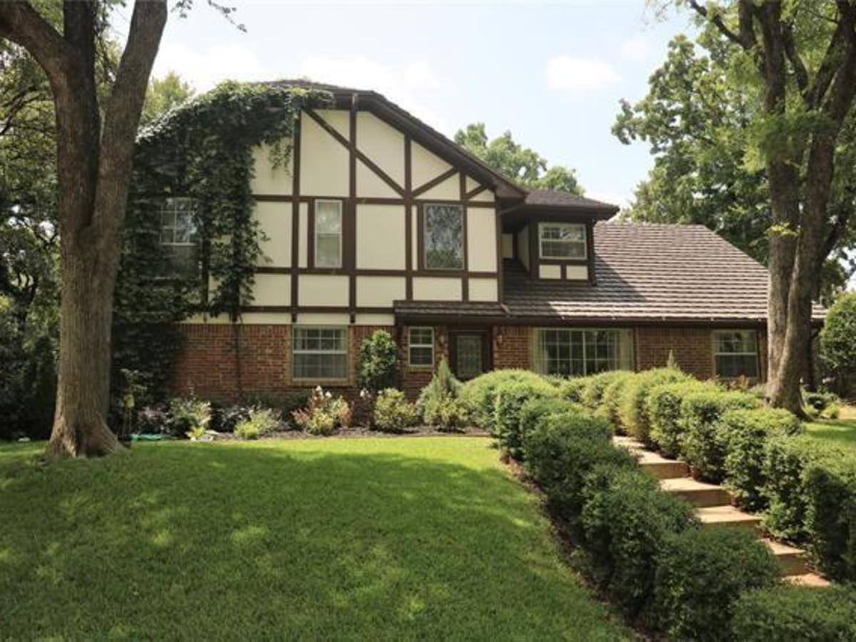 Arlington home for sale, 804 Brim Ct