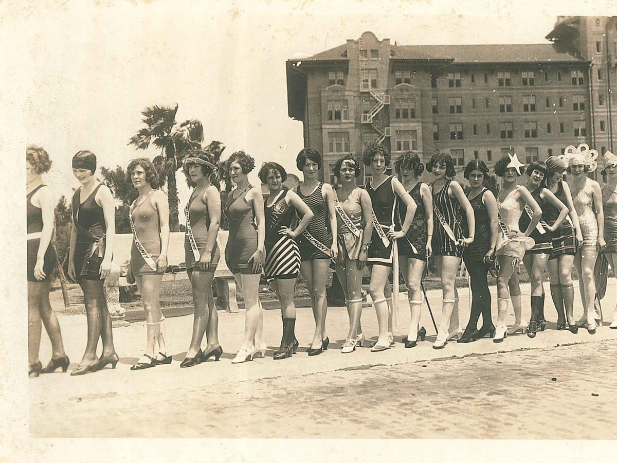Galveston Beach Revue beauties swimsuits 1926
