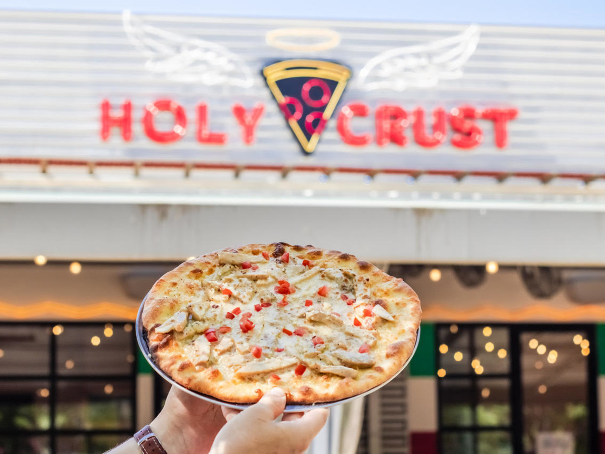 Holy crust pizza