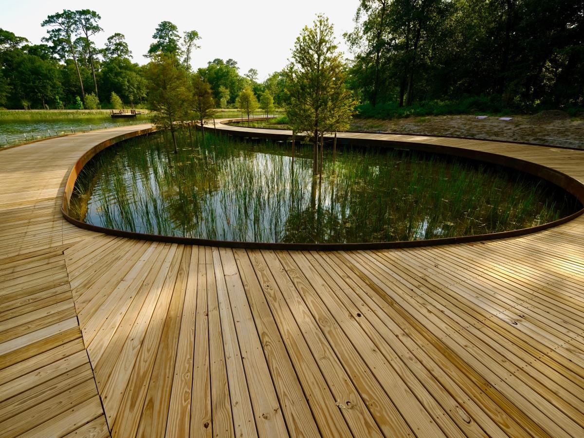 Memorial Park Eastern Glades Boardwalk over Hines Lake
