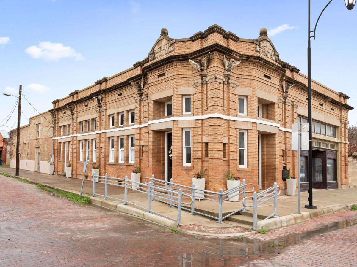 The Bartlett Bank