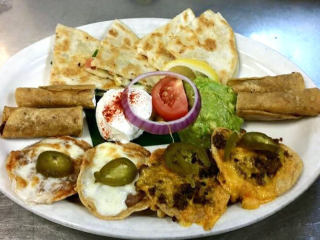 Appetizer platter at Mia's Tex-Mex in Dallas