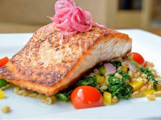 Salmon, Fixture