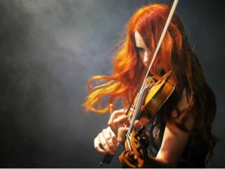 Chloé Trevor, violin