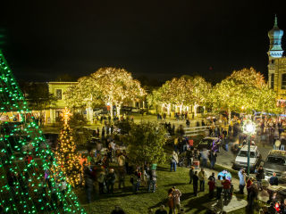 Georgetown's Annual Lighting of the Square