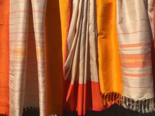 "Crow Collection of Asian Art Lotus Shop presents Rta Kapur Chishti Trunk Show: ""Taanbaan"""