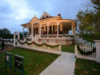 Heritage Society presents Candlelight Tour
