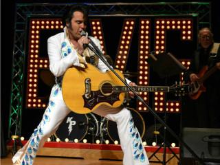Kraig Parker in Viva Elvis