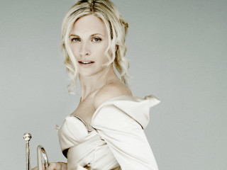 Alison Balsom_trumpet_The Long Center_January 2015