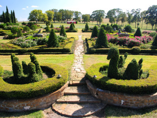 """Chappell Hill Garden Club's """"Wine Tasting and Garden Tour"""""""