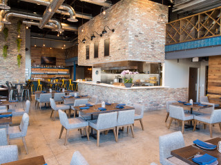 Houston_Marcy_new brunch_Broken Barrel interior