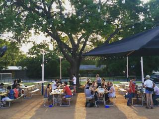 Yard Bar Austin restaurant outside eat Burnet Road