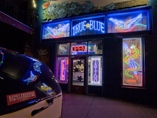Austin_photo: Places_Shopping_True Blue Tattoo_exterior