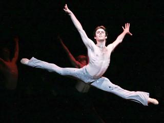 News_Connor Walsh_Houston Ballet_Carmina Burana_leaping