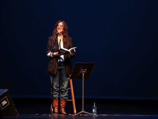 News_Douglas Newman_Patti Smith_reading_Just Kids