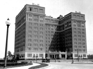 News_The Warwick Hotel_old