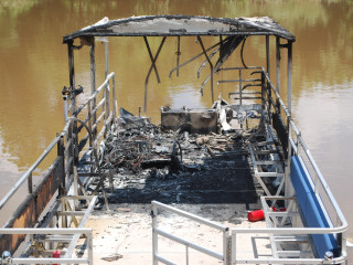 News_Buffalo Bayou fire damaged Pontoon