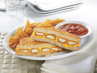 News_Denny's_fried cheese melt