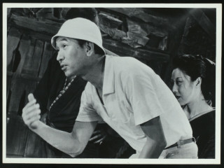 News_Joel Luks_Akira_Kurosawa_directing_The Lower Depths