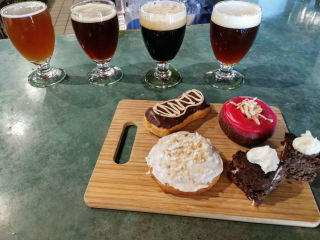 Hypnotic Donuts and Four Corners Brewing Company present Beer and Donut Pairing