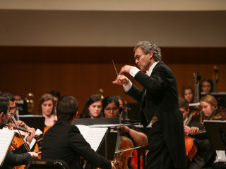 Conductor Jonathan Shames - UO Symphony Orchestra