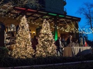 Four Seasons Resort and Club Dallas at Las Colinas presents Fireside Holiday Kickoff