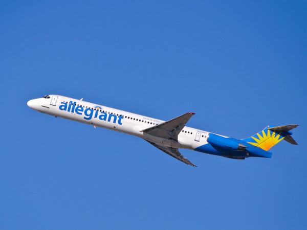 Allegiant air airplane