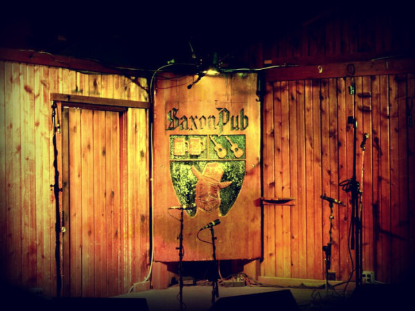 Saxon Pub interior stage