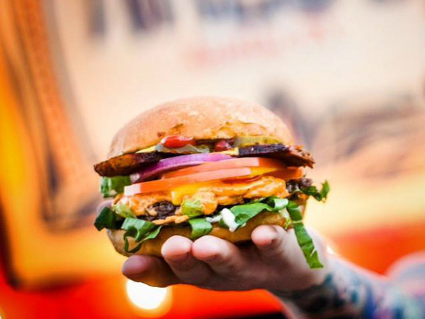 Arlo's food truck_veggie burger_vegetarian_bacon cheese burger_2015