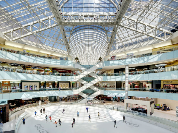 Galleria Dallas Ice Rink