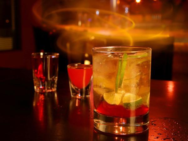 Stir cocktail bar