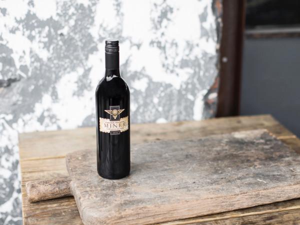 Underbelly Hoot'Nanny wine