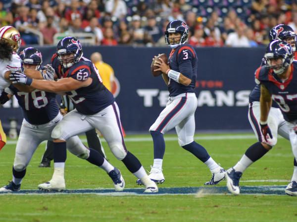 Tom Savage pocket Texans 49ers