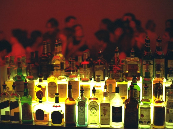 News_bar_liquor bottles
